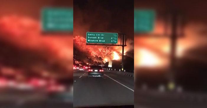Incendio forestal en California arrasó con 150 viviendas, se esperan cientos más (Video)