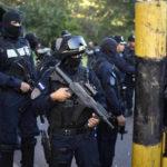 Policías de Honduras entran en huelga en medio del fraude oficialista