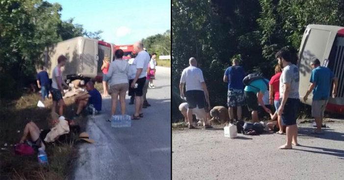 Vuelca autobús con turistas en Quintana Roo, hay 11 muertos y 20 heridos