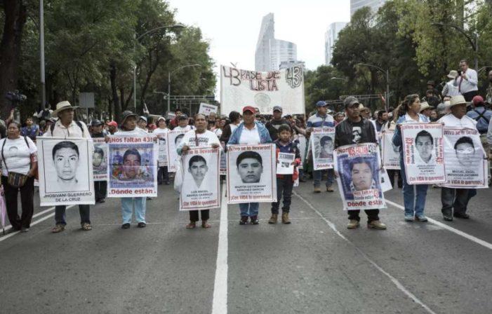Ya son 4 navidades sin los 43 normalistas de Ayotzinapa