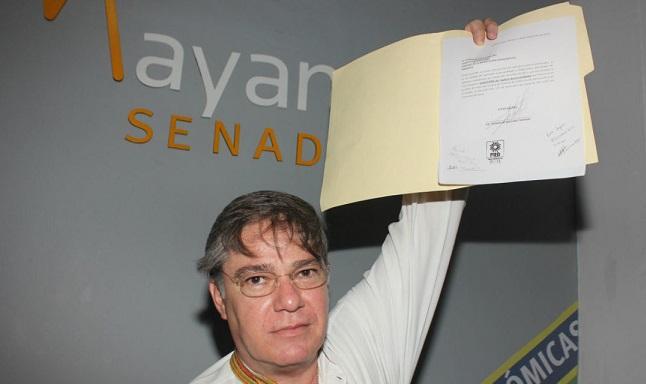Senador Fernando Mayans renuncia al PRD y se suma a AMLO