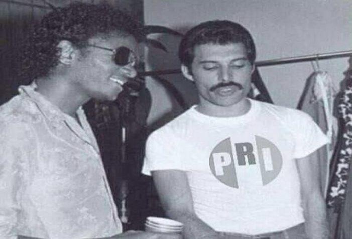 Candidato del PRI comparte meme de Freddie Mercury con playera del tricolor