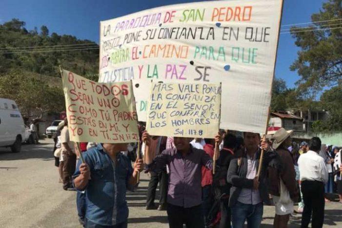 Indígenas tzotziles marchan para poner fin a la violencia entre Chenalhó y Chalchihuitán