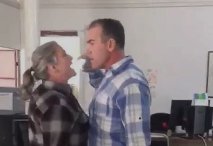 Juez de control agrede a mujer en Chihuahua (VIDEO)