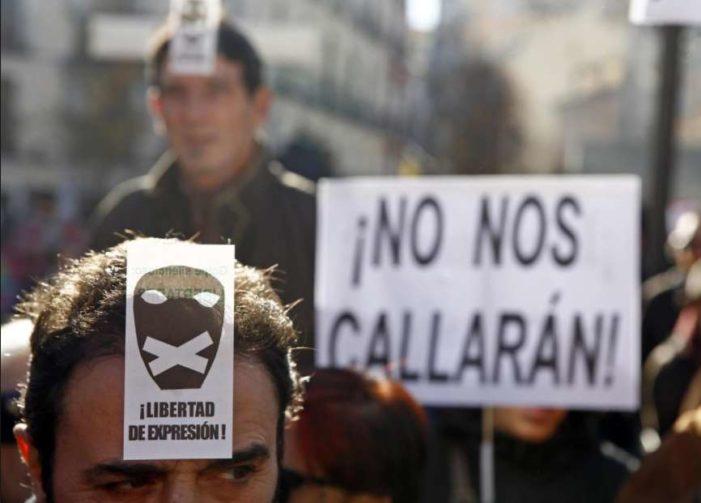 PRI impone Ley mordaza: será delito difundir información verídica que 'deshonre o desprestigie'