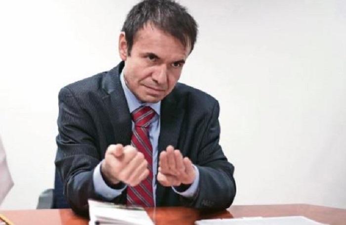 Ex subordinado de Meade podría 'fiscalizar' las elecciones del 2018