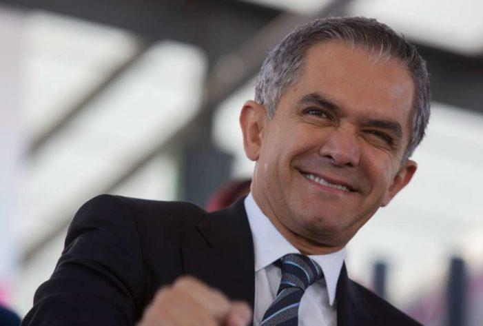 Mancera: ambición por la presidencia es como elegir entre Maluma y tu esposo (VIDEO)