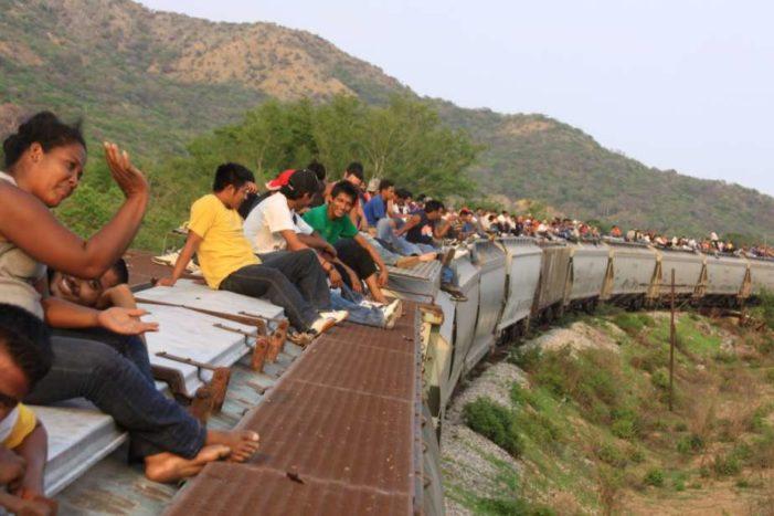 Mujeres migran por violencia, hombres por condiciones económicas: estudio