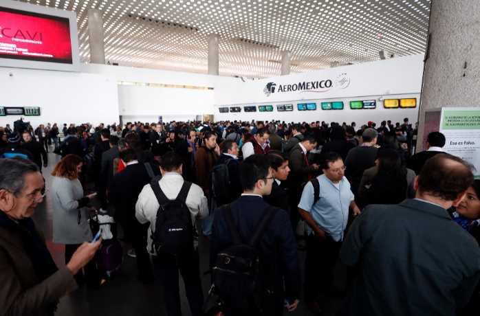 Aeroméxico despide a piloto por liderar paro en el AICM