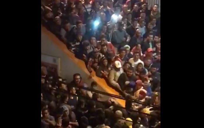 En plena hora pico, usuarios protagonizan pelea en metro Pantitlán (VIDEO)