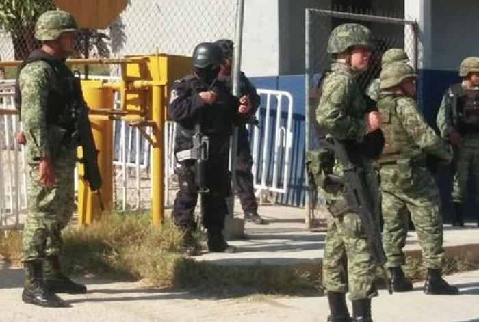Prisioneros retienen y golpean al jefe del penal de Acapulco