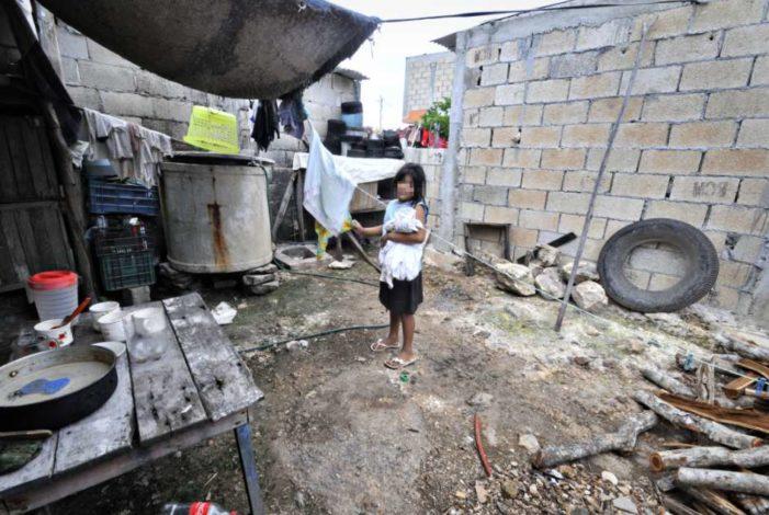 En pobreza, 1840 municipios del país: Coneval
