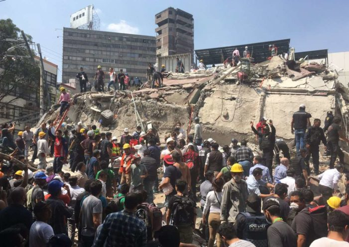 Sismos, huracanes y cientos de muertos dejó el 2017 a México (VIDEO)