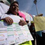 CFE cambia medidores a la fuerza en Ecatepec, amenazan a vecinos que se oponen