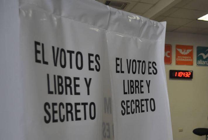 Aplaza INE votación sobre protocolo que prohíbe voto de personas trans