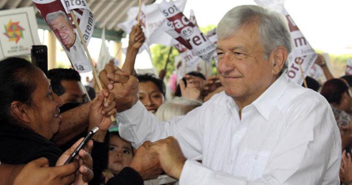 Advierte AMLO a opositores que se unirán más a Morena, 'prepárense psicológicamente'