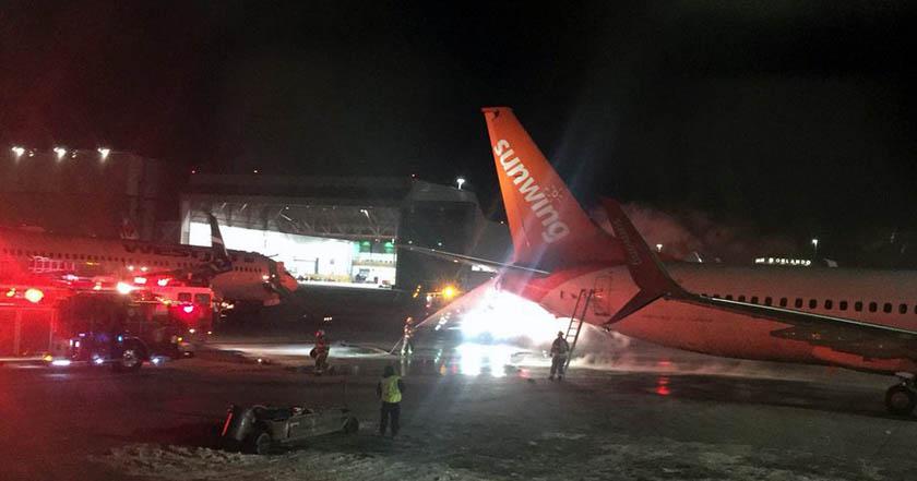 Terror en Toronto: Incendio tras choque de dos aviones