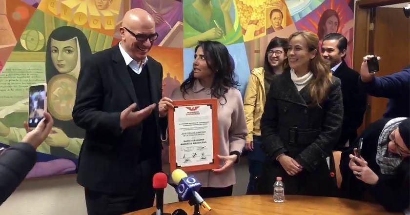 Barrales, Dante Delgado se niega a cantar 'Movimiento Naranja' con