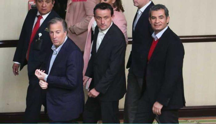 Repudian a Meade en CDMX '¡Fuera el PRI, corruptos!, ¡arriba Obrador!' le gritan