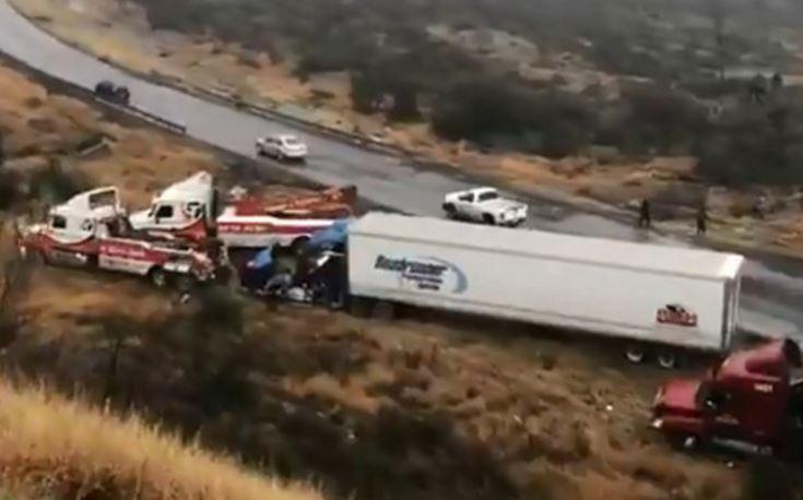 Cierran carriles en vías a Saltillo tras accidentes