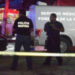 Sicarios irrumpen en bar de Cancún y ejecutan a tres