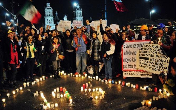 Damnificados piden a Mancera que pase una noche en sus casas de campaña (VIDEO)