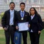 Estudiante mixteco gana medalla de oro en Olimpiada del Conocimiento de la UNAM
