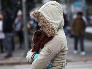 frío bajas temperaturas abrigo resfriado enfermedades respiratorias tamal atole y cigarrito