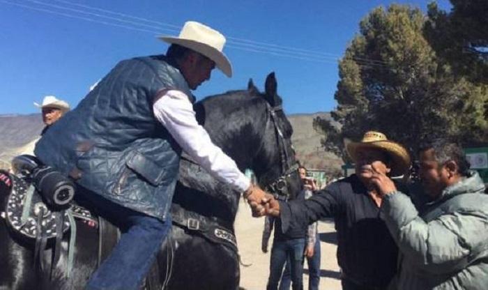'Bronco' compara a su esposa con un caballo