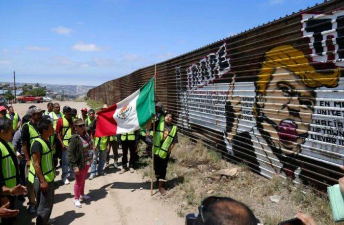 Trump llama a México el 'país más peligroso del mundo' y pagará muro; SRE dice que no pagará