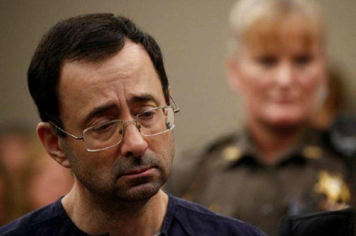 Exmédico que violó a gimnastas de EU pasará entre 40 y 175 años en prisión