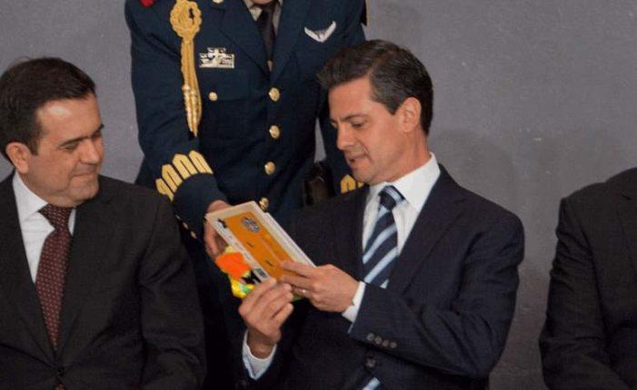 Peña Nieto dice que lee mucho (VIDEO)