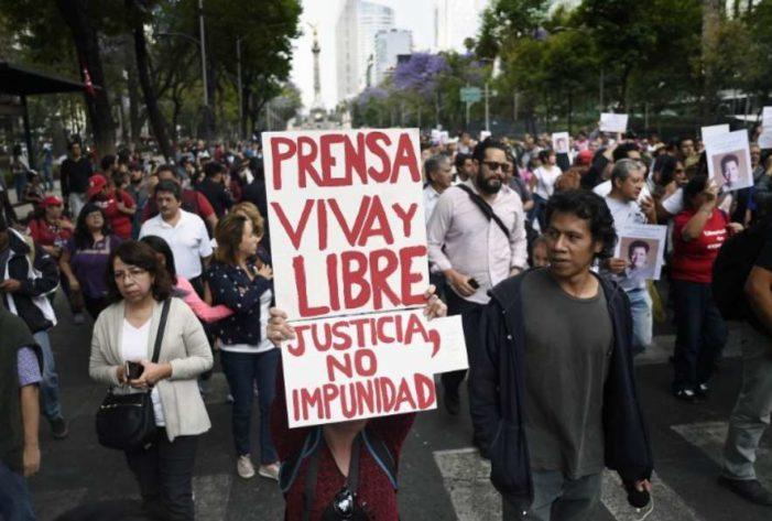 Barcelona prepara programa de acogida para periodistas mexicanos amenazados de muerte