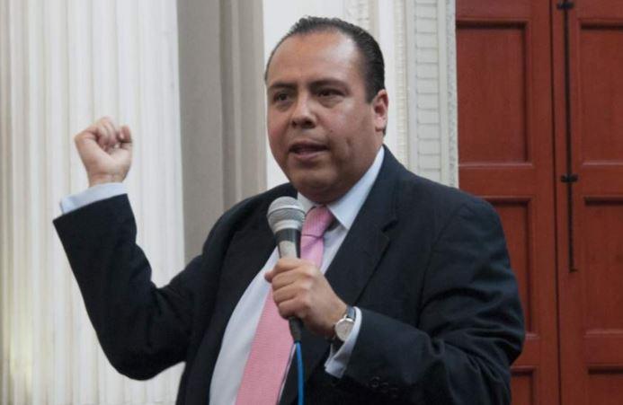 Aspirante independiente a la presidencia tuvo un accidente en la México-Toluca