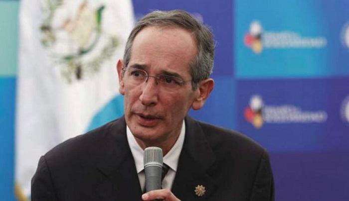 Detienen a ex presidente de Guatemala por corrupción