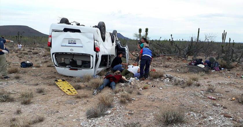 Marichuy sufre accidente; volcó camioneta en que viajaba, estaría lesionada imagen de la camioneta