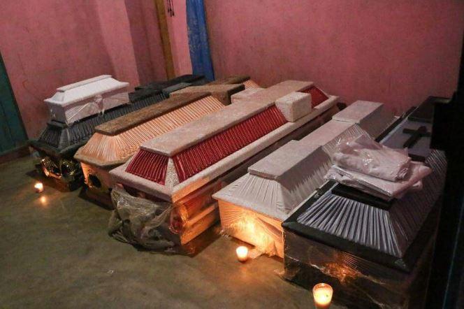 Van 14 víctimas tras desplome de helicóptero en Jamiltepec, Oaxaca