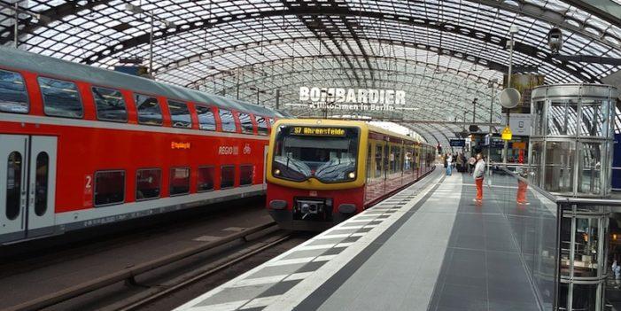 Alemania ensaya transporte público gratuito para reducir contaminación