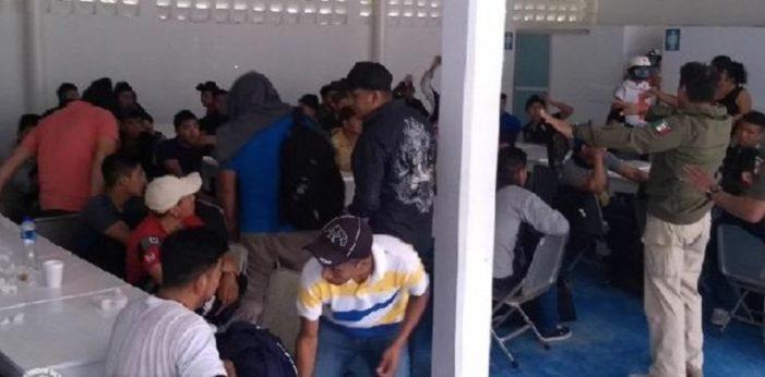 Rescatan de 6 casas de seguridad a 290 migrantes en Matamoros