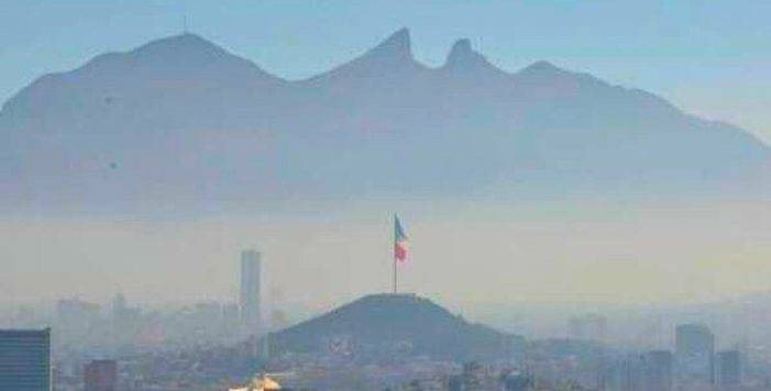 Regios se unen para denunciar contaminación #RespiraMonterrey