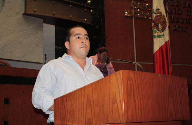 Diputado del PRI cercano a Astudillo y que avaló gasolinazo quiere ser alcalde de Acapulco