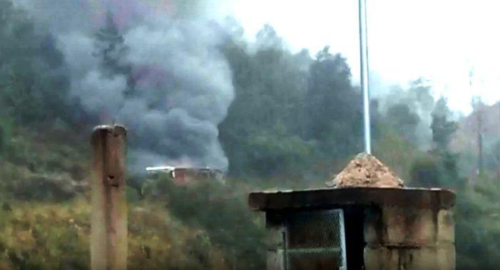 Puebla: Interceptan e incendian autobús de opositores a hidroeléctrica