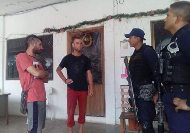 Viajeros franceses denuncian a policías de Veracruz por robo de 500 dólares