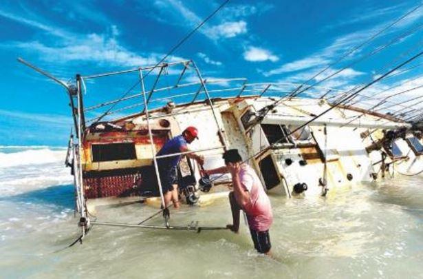 Hombre salió en su velero desde España, el mal clima lo llevó hasta Yucatán