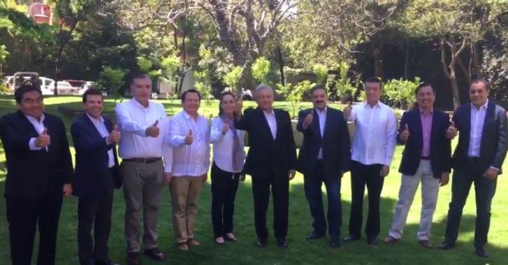 AMLO se reúne con candidatos a gobernador