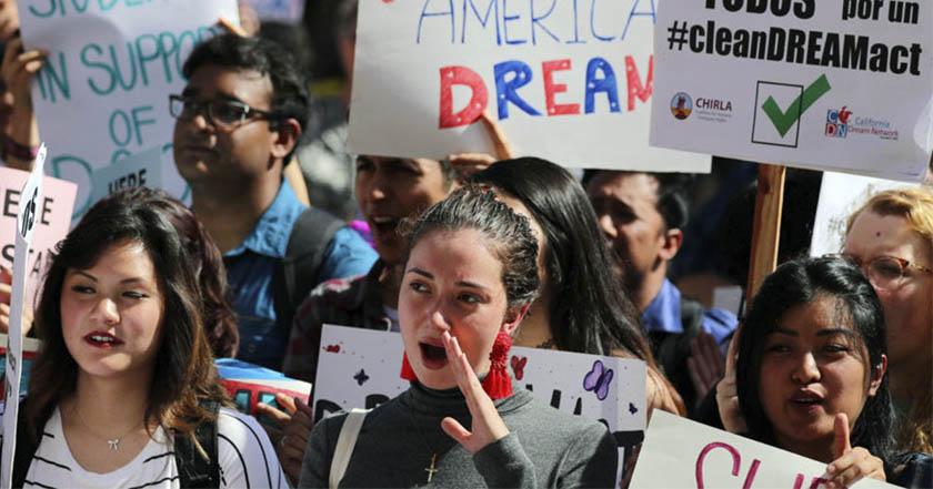 Juez federal ordena a Trump reactivar DACA y aceptar nuevos 'dreamers'