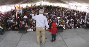 Celebra AMLO que Trump frenara separación de niños de sus familias migrantes