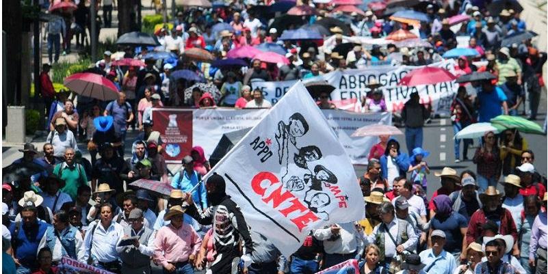 Denuncia CNTE bloqueo a su caravana rumbo a CDMX