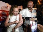 Empresarios atrincheran Tesorería de Yunes para que les pague; los manda golpear