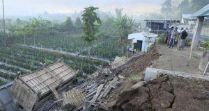 Fuerte sismo de 6,4 en indonesia deja 14 muertos y 162 heridos